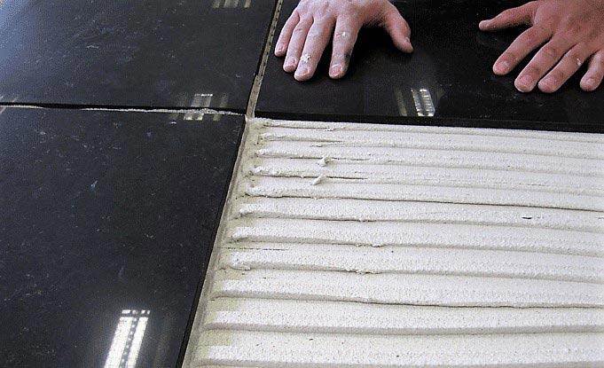 Der richtige Fliesenkleber für Ihre Fußbodenheizung